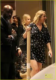 100 Taylor Wood Aaron Johnson Wife Sam Couple Up While Out In