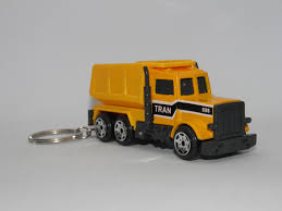 KEY CHAIN DUMP Truck Construction 3
