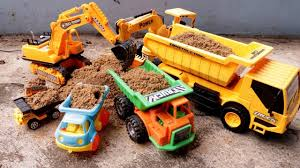 Dump Truck At Work With Sand For Kids | Learn Sizes From Smallest To ...