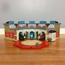 Thomas Tidmouth Sheds Deluxe Set by Thomas Deluxe Roundhouse Ebay