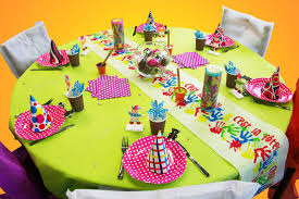 decoration pour anniversaire décoration de table anniversaire fille