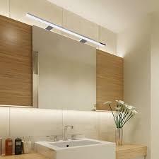 die spiegelleuchte licht im badezimmer punktgenau platziert
