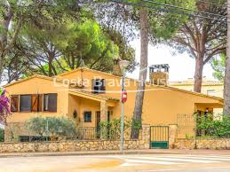 100 Beach Houses In La House For Sale On The Beach Of Pals With Garden And Garage