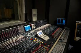 Johns Hopkins Universitys Peabody Institute Teaches Audio Recording