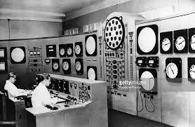 bureau de controle station atomique électrique pictures getty images