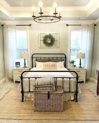 Bedroom Decor Ideas Warm And Cozy Rustic Decorating For Small Spaces Ianwalksamerica
