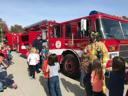 100 Fire Trucks Kids Knoxville Fighters Teach West Elementary Safety KNIA