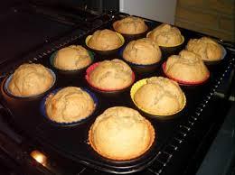 erdnussbutter bananen muffins