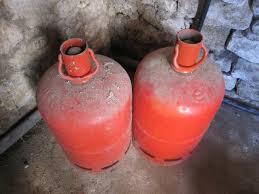 photo donne 1 bouteille de gaz 13 kg couleur orange a