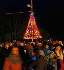 Flagpole Christmas Tree Plans by Los Olivos Olde Fashioned Christmas Dec 1 2018