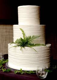 Texture Icing Plain White Wedding Cake