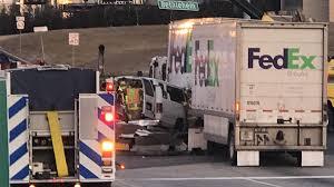 100 Fedex Truck Wreck At Least 7 Injured As Van Careens Into FedEx In Montgomery