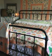 A Beautiful Way To Decorate Your One Of Kind Cottage Home Antique Quilts Diy Bedroom DecorCozy