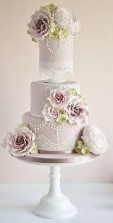 Lace Pearls Vintage Wedding Cakes