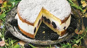 limetten joghurt torte mit brombeeren