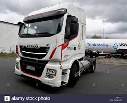 Lng Trucks Stock Photos & Lng Trucks Stock Images - Alamy European Logistics Company Chooses Natural Gas Trucks Vos Voegt Lngtrucks Toe Aan Intertionale Vloot Logistiek Hd Powered By Lng In Poland Road Test Results News Gruenheide Germany 25th Apr 2017 A Truck Is Filled With Natural Vehicle Wikipedia Saltchuk Paccar Bring New Lngpowered To Seattle Area Fuel For Thought Ngvs What Is The Payback Time Greenville Oil Gas Co Ltd New Volvo Trucks Can Produce 20 100 Less Co2 Emissions Carmudi Alternative Fuel Sales Cng Hybrid Hot Sale China Transport Lpg Semi Truck Trailer From Filelngtruck Vor Reichstagjpg Wikimedia Commons