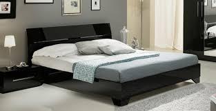 chambre avec lit noir lit gloria laquée noirl 150 x h 83 x p 198