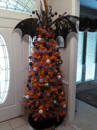 Nightmare Before Christmas Halloween Decorations by Halloween Tree I Need To Buy Cheap Ornaments From The Dollar