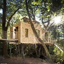 100 Tree Houses With Hot Tubs Britains Most Luxurious Treehouse Comes With A Sauna Daily Mail