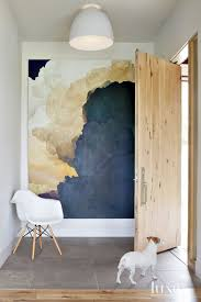 Architect Dale Hubbard Designed A Boulder House Marked By Contemporary Forms And Rustic Materials The Large Scale Painting Is Ian Fisher