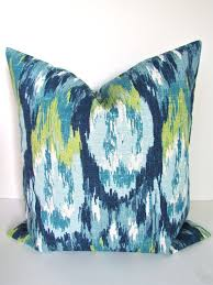 Decorative Couch Pillow Covers by Best 25 Blue Decorative Pillows Ideas On Pinterest Blue Pillow
