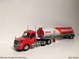 100 Diecast Promotions Trucks Replica Of Pilot Flying J Freightliner Cascadia Fu Flickr