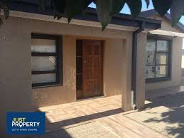 5 Bedroom Homes For Sale by 5 Bedroom House For Sale In Roodepan Kimberley Gumtree
