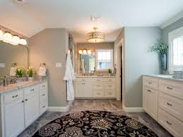 Great Bathroom Colors 2015 by Fixer Upper U0027s Best Bathroom Flips Hgtv U0027s Fixer Upper With Chip