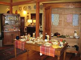 Country Kitchen Table Decorating Ideas by Cute Italian Country Kitchen Decoration With Vintage Plate Wall
