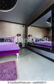 neues design schwarzzimmer mit großem spiegel großes neues