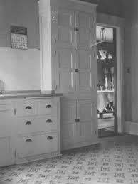 What a kitchen from the early 1900 s looked like