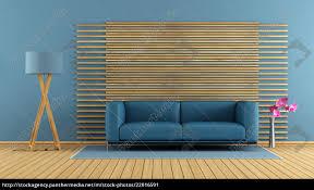 blaues sofa blaue wand caseconrad