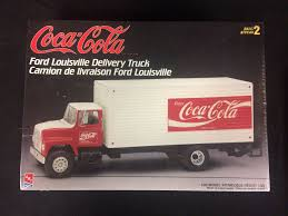 AMT Coca-Cola Ford Louisville Delivery Truck Model Kit (1998) UNBUILT