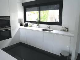 plan de travail cuisine blanc plan de travail laque blanc brillant cuisine en vail faaa