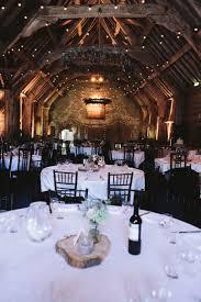 9 Wonderful Country Rustic Barn Wedding Decoration Ideas 8