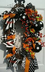 Grandin Road Halloween Wreath by 87 Best Wreath Mania Images On Pinterest Easter Crafts Church