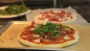 recettes de cuisine facile et rapide recette de pizza italienne maison facile en vidéo