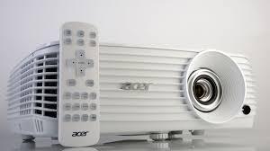 test acer h6810 portabler und megaheller 4k projektor mit