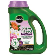 Shake Dem Halloween Bones Download by Miracle Gro 4 5 Lbs Shake N Feed Rose And Bloom Plant Food