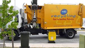 Recycling Garbage Truck Canberra Australia - YouTube