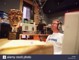 100 Studio 24 London PA NEWS PHOTO 495 CHRIS EVANS IN THE LONDON STUDIO OF