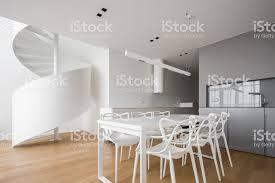 offene küche mit esstisch stockfoto und mehr bilder architektur