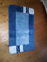 badezimmer läufer teppich blau vorleger badezimmermatte