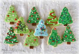 Decorating Christmas Tree Cookies 17