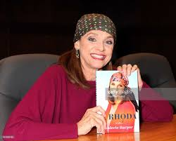 Valerie Harper Signs Copies Of Her New Book Linda Gray Signs And Discusses Her New Book Barnes Noble Celebrates Cary Elwes Sign Copies Of His Abbi Jacobson Signing Cversation For Drew Barrymore Valerie Harper Laura Prepon At The Grove William Shatner Shay Mitchell Bliss Booksigning In Los