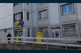 bureaux de poste lyon economie la poste flammarion ne ferme pas