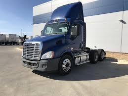 FREIGHTLINER Conventional -- Day Cab Trucks For Sale