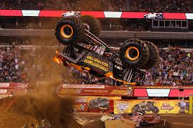100 Monster Truck Backflip Maximum Destruction Mid Backflip S Pinterest