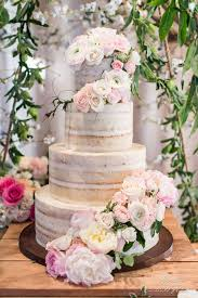 11 Unique Wedding Cake Display Tables Backdrops