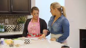 Wwe Divas Cake Decorations by Natalya And Her Sister Host A Cooking Class Total Divas Dec 21